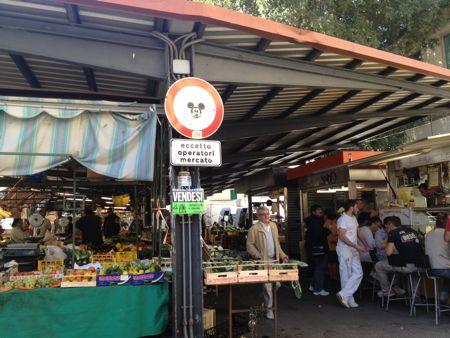 Street market in Florence